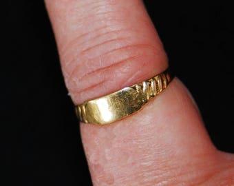 Vintage 10K Gold Ring, Signed 10K GID, Delicate Design, Wedding Band
