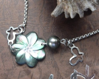tahiti flower and pearl bracelet