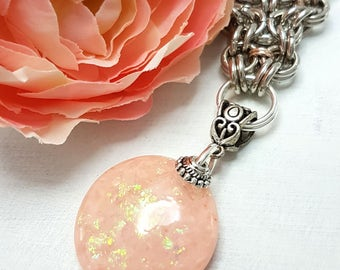 LaoOne handmade pendant necklace with salmon colored