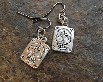 Day Of The Dead Earrings//Sugar Skull Earrings//Short Dangle Earrings//Day Of The Dead Jewelry//Halloween Jewelry