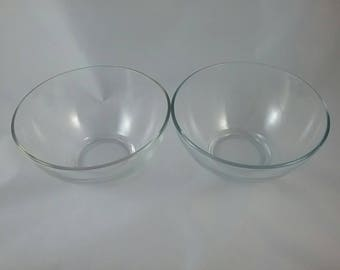 Arcoroc clear glass bowl x2. Two vintage French glass bowls. 70s kitchen. France made dessert, pudding, fruit, ice cream dishes. Set of 2.