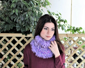 Winter knit snood, Circle neck warmer, Crochet cowl scarf with fringe, Chunky knit scarf, Soft neckwarmer, Unique gift, Circle cowl neck