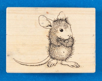 """House Mouse """"Mudpie Ponders"""" Rubber Stamp - Mouse Thinking with Arms Crossed - Stampa Rosa 112"""