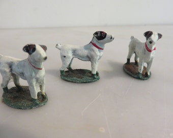 Vintage die cast small dogs figurines (3)