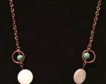 Copper necklace with mother of pearl