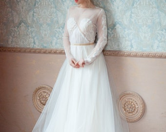 Asti / Creative wedding dress / Boned / With sleeves