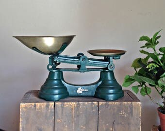 Vintage kitchen Scales,  Iron & Brass scales, Old scales, Rustic scales, Kitchen weighing scales, Balance scale, family scales, Retro scales
