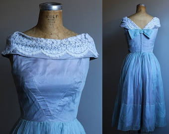 1960s Iridescent Purple Princess Party + Prom Dress with Lace Boat Neck - Small