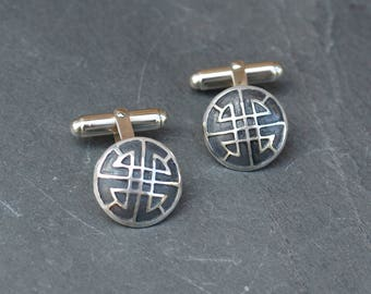 Celtic motif cuff links in silver