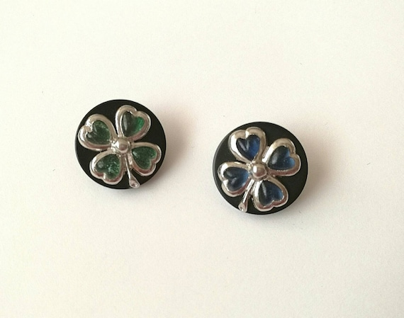 Lot of 2x D18mm Authentic Chanel vintage lucky clover buttons signed on the back