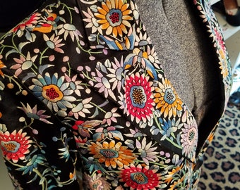 Clean, Vintage, 1920's, 1930's. Chinese, Silk, Floral,  Butterfly, Black, Red, Orange, Green, Blue, Embroidered, Blazer, Jacket