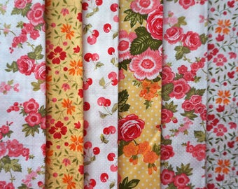 Pretty Flowers by Holly Holderman for Lakehouse Dry Goods  - Fat Quarter Bundle - 6 pieces