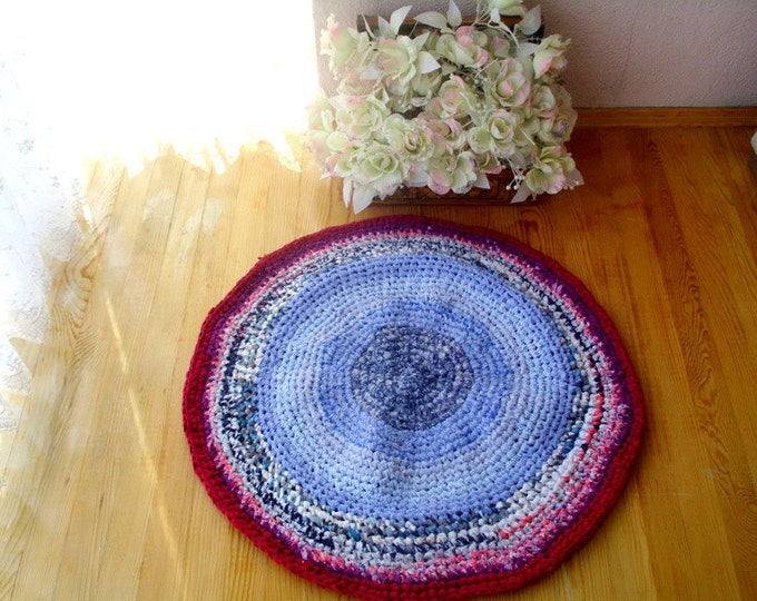 crochet round rug, upcycled fabric rug, upcycled floor rug, ecofriendly braided rug
