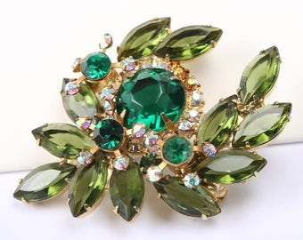1967s Juliana Green Rhinestone Brooch and Earrings Set