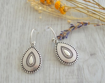 Antique silver dangling Turkish teardrop earrings, Silver dangle earrings, boho/ bohemian earrings, tribal ethnic earrings, summer jewelry