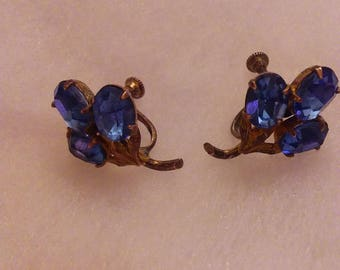 Very vintage blue rhinestone earrings