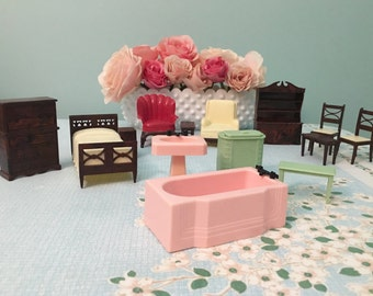 Vintage Renwal Plastic Dollhouse Furniture Lot - 14 pieces