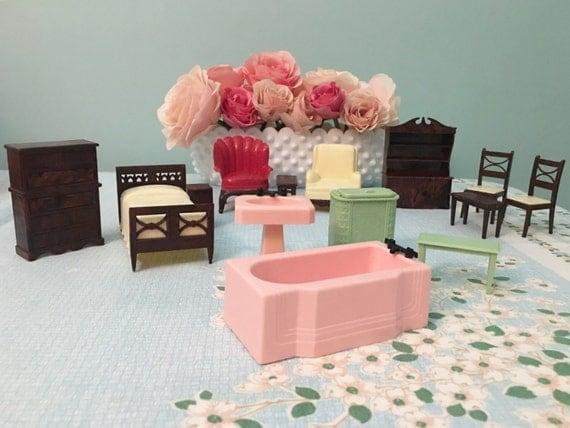 Vintage Renwal Plastic Dollhouse Furniture Lot 14 Pieces
