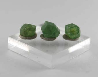 Demantoid garnet crystal 3 piece selection 7.7 ct