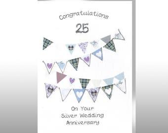 Silver Anniversary Hearts Bunting Card WWWE32