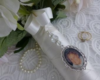 Bridal bouquet memory charm photo frame oval frame wedding memorial photo charm