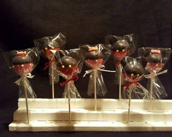 Minnie or Mickey cake pops (Order of 13)