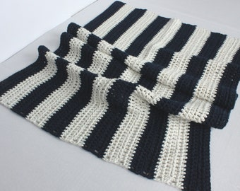 Nautical crocheted bathmat/rug (off white/navy cotton)