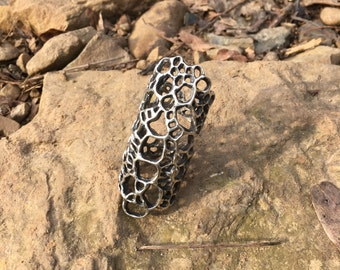 White Bronze Gator Scale Double Ring