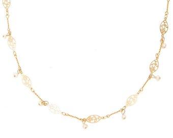 Bride Gold Pearl Leaf Necklace, Bride Dainty Gold Necklace, Bride Pearl Dainty Necklace, Wedding Dainty Necklace, Wedding Delicate Necklace