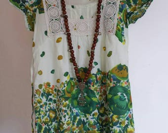 Tunic or dress short embroidered green and white. All cotton. Size XS/S. cool for l summer. Short sleeves