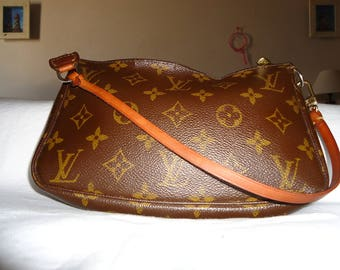 Louis Vuitton Monogram Pochette Handbag SD0022