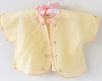 Vintage 1950s Cream Shrug with Pink and flower Embroidery