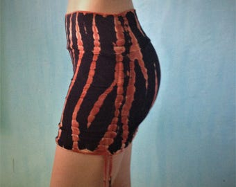 Cinch Skirt in Fire Tie Dye/Yoga Skirt/Mini Skirt/Skirt/Boho Skirt/Festvial Skirt/Tie Dye Skirt/Hippy Skirt/Fitness Skirt/Adjustable Skirt