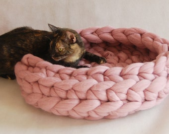Cat bed, Cat cave, 100% wool, merino wool, Cat house, Cat furniture, Knitted pet bed, Pet accessories, Cat nest, Chunky cat bed
