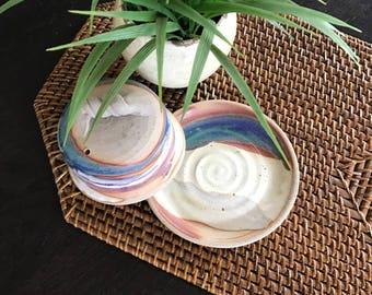 Vintage POTTERY BUTTER DISH / Wheel Thrown Artisan Butter Dish