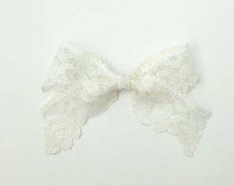 Ivory Vintage Lace Bow