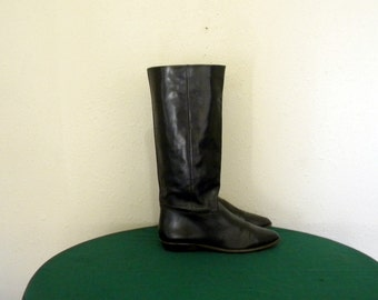 9West boots. Vintage boots. Women boots, sz 10m tall black leather 1980s flat 9west women riding boots.