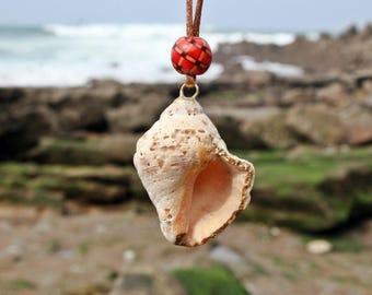 Kintsugi conch shell, kintsukuroi necklace