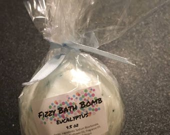 Eucalyptus Fizzy Bath Bomb - 4.5 oz.