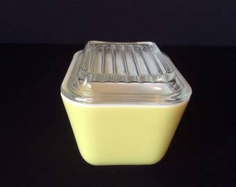 Vintage Pyrex Primary Yellow #501-B 1 1/2 Cup Refrigerator Bowl with #501-C Cover