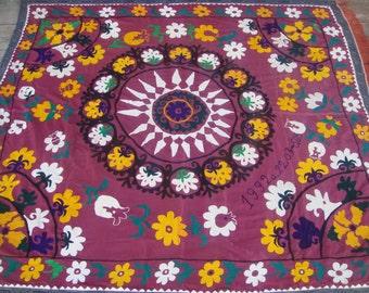 Big SALE!!! Vintage UZBEK SUZANI Handmade silk Embroidery on silk fabric (210 x 187 cm  82.7 х 73.6 inch))