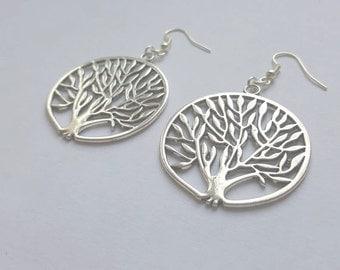 Earrings trees