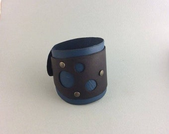 Leather, Circle, cut out, cuff, snap, bracelet, jewelry, steampunk, larp, garb, sca, con, cosplay, geometric, circles, bubble, bubbles