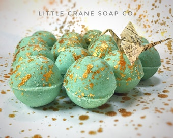 "Sea Kelp Himalayan Salt Mini Bath Bombs, Natural Handmade Original ""Queen of the Deep"" Mermaid Glitter Bath Bomb The Little Crane Soap Co"
