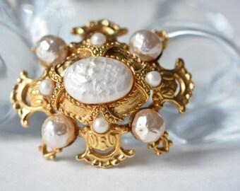 "Antique Brooch ""Victorian Era"""