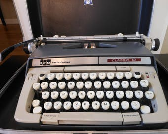 1960's CLASSIC 12 PORTABLE TYPEWRITER