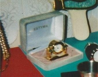 Miniature mantel clock