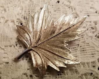 Vintage Maple Leaf Silver Finish Brooch
