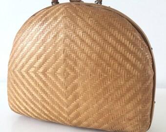 Handbag straw braided and bamboo