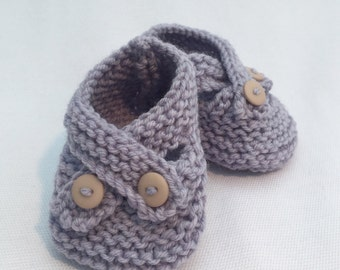 Teddy baby shoes with cross strap detail